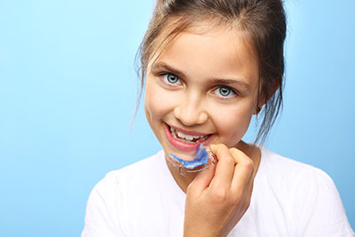Girl with retainer - Orthodontist in Glastonbury, CT